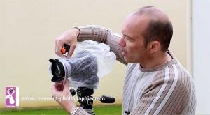Le système D a parfois des bons cotés pour protéger votre appareil photo de la pluie