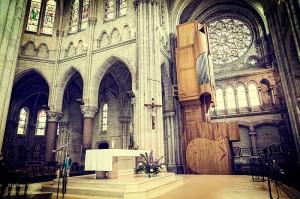 Repérer l'ambiance lumineuse dans le lieu de culte est important pour préparer ses réglages photo