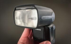 Comment fonctionne le zoom du flash, comment gérer la concentration de l'éclair du flash pour que ce soit en rapport avec la focale utilisée sur notre objectif. Il existe plusieurs possibilités que l'on va aborder ensemble aujourd'hui.